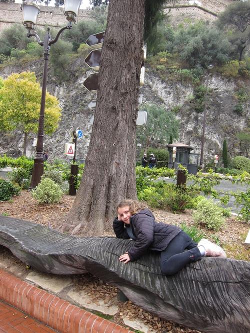 sculpture tronc de filao de Marc Nucera à Monaco