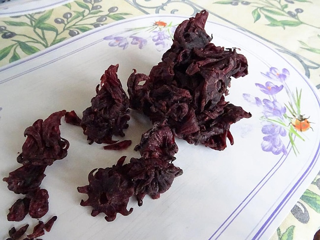 pétales séchés d'hibiscus