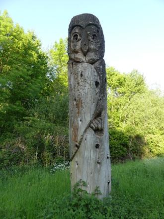 totem de Daniel Stinus en séquoiadendron